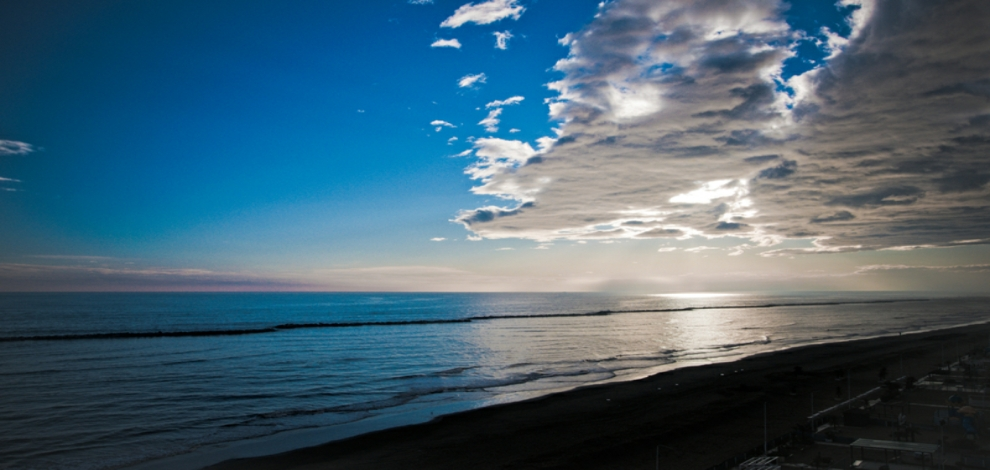Beautiful sunrise from Italian shore Dreamtime photo  Dreamtime photo ID 21682723 Cristian Gomez