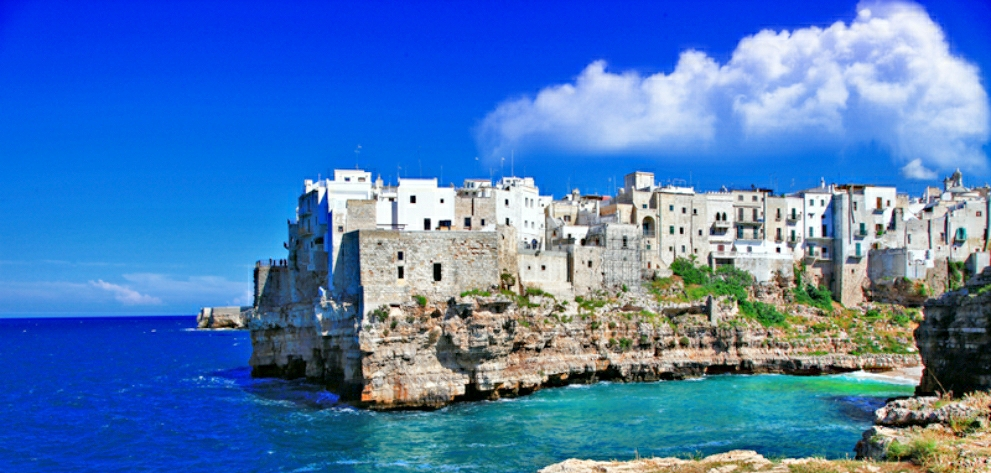 Photo of costal town in Apulia Italy Dreamtime photo  ID 32250120